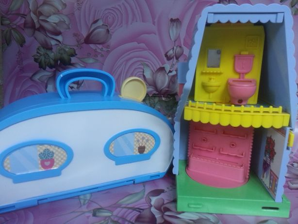 домик для кукол одним лотом