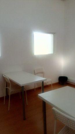 Trespasse de Centro de Estudos em funcionamento em Leiria
