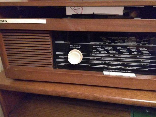 Radio lampowe z PRL TRUBADUR z gramofonem