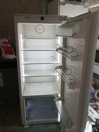 Встраиваемый однокамерный холодильник Liebherr Premium Biofresh