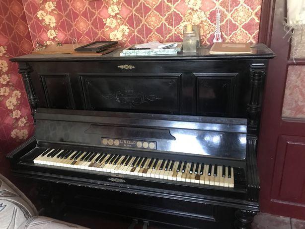 Отдам срочно пианино