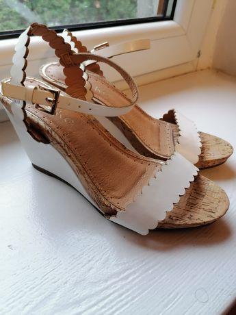 Sandały Miss KG nowe