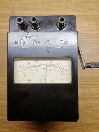 Induktorowy miernik izolacji 1000V M4100/4