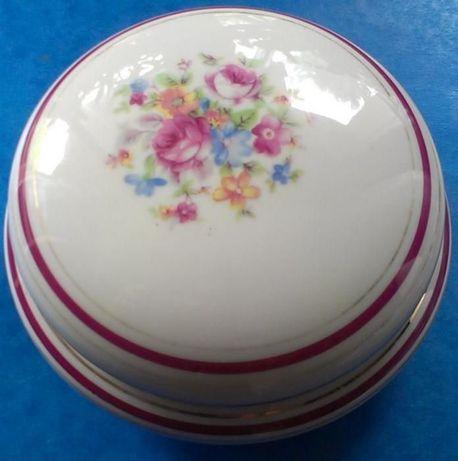 Porcelanowa szkatułka w kwiaty porcelana Ćmielów