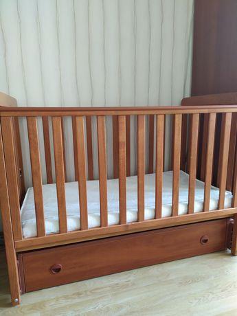 Кроватка детская с ящиком + защита и мартасик