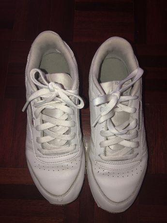Tenis brancos reebok n 36,5