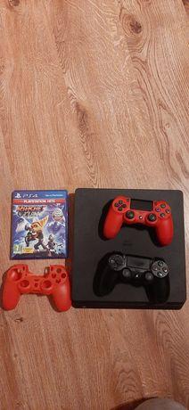 PlayStation 4 Slim 1TB + 2 pady dualshok4 + Ratchet  &Clank