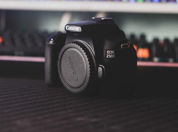 Canon EOS 250D, 18 55 STM e duas baterias originais Canon