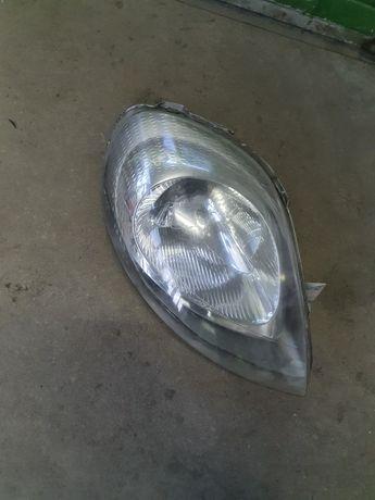 Leflektor lampa trafic vivaro prawa