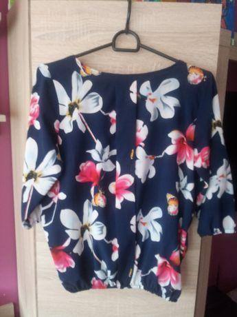 Elegancka bluzka granatowa w kwiaty rozmiar M