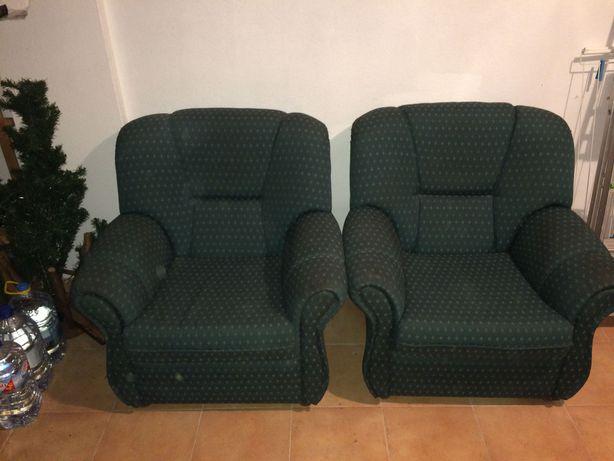2 Sofás Individuais 35€/cada ou 60€ os 2