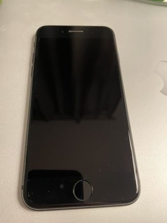 iPhone 8 64gb, stan perfekcyjny. Ani jednej ryski