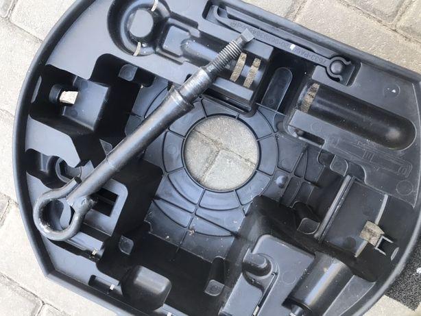 Скидка на Органайзер для запаски + буксирная проушина Citroen C4