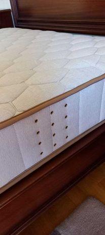 Colchão de molas - 1.83 x 1.33 m