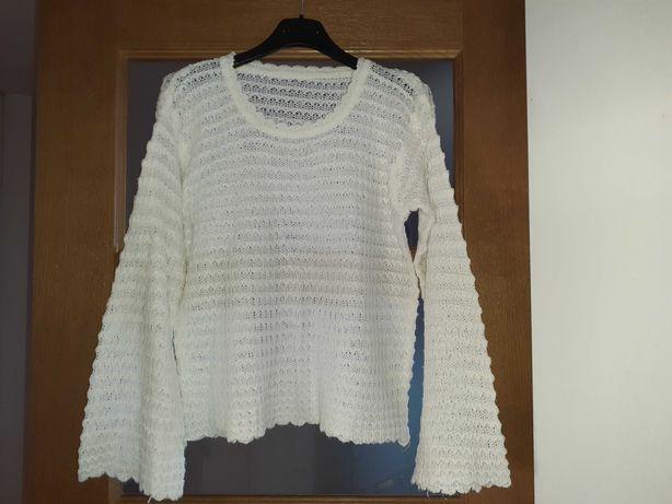Kremowy sweter ażurkowy rękawy dzwony S 20 zł