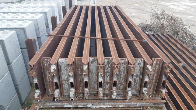 Stalowe formy do podwalin betonowych