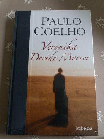 """Livro de Paulo Coelho """" Veronica decide morrer"""""""