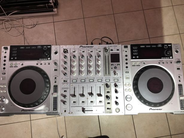 Zestaw Pioneer: DJM 700 + 2 x CDJ 850