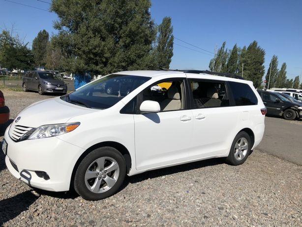 Продам Toyota Sienna