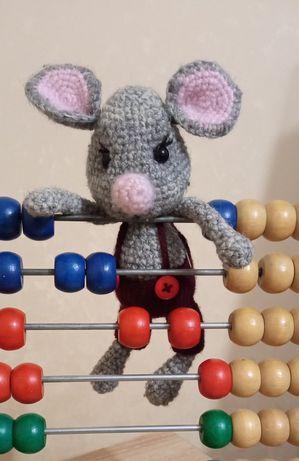 В'язані іграшки для найдорожчих Мишеня