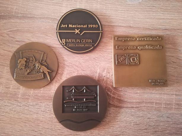 4 Medalhas Bronze e Metal