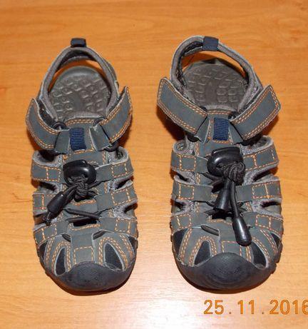 Фирменные босоножки для мальчика, размер 10 (17,5 см)