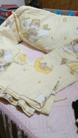 Capa protectora cama bebe
