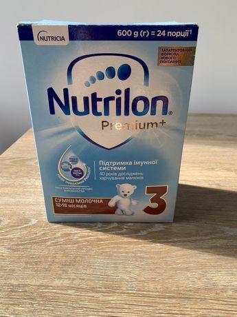Молочная смесь Nutrilon Premium + 3