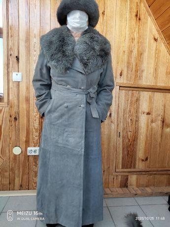 Эффектное кожанное пальто(нубук),огромный воротник с песца(дикого).