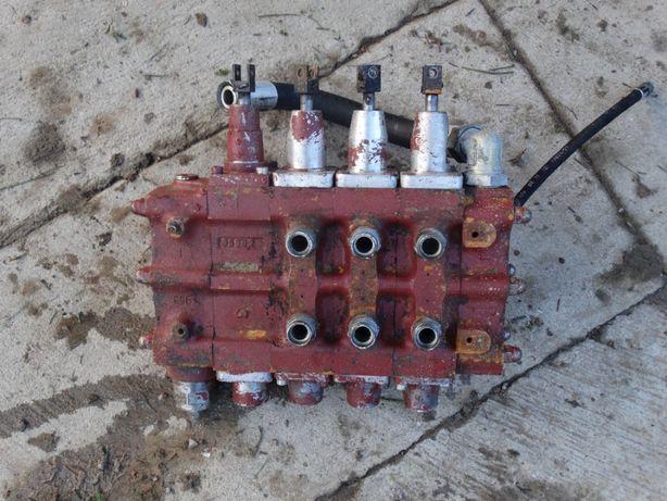 Rozdzielacz hydrauliczny Fortschritt
