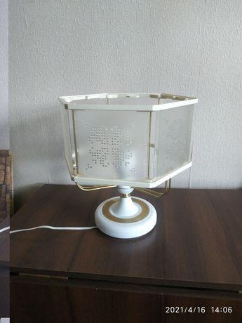 Лампа настольная с регулятором накала света