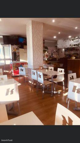 Vende-se Passe de café + Loja recentemente renovado.