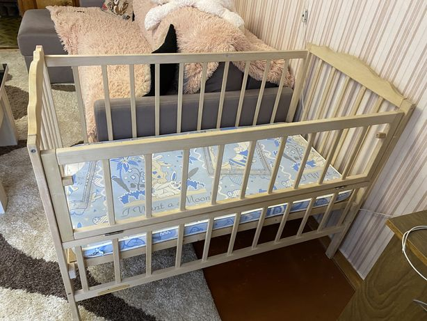 Детская кроватка маятник поперечний с матрасиком