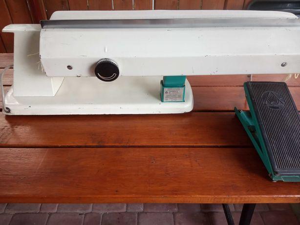 Stary radziecki magiel maglownica elektryczny
