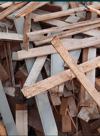 Oddam za darmo drewno różnych odmianie