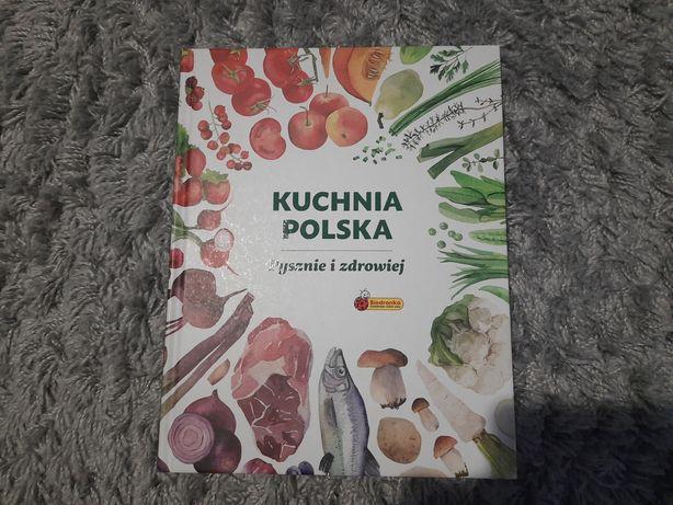 """Książka kucharska """"Kuchnia Polska, pysznie i zdrowiej"""" Biedronka"""