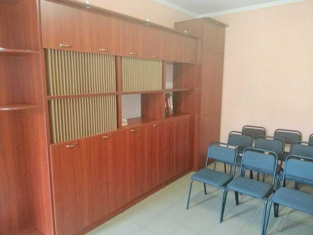 Продаж нових офісних меблів