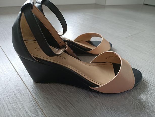 Sandałki na koturnie rozmiar 37