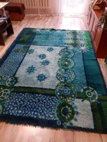 Tanio sprzedam piękny dywan