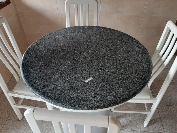Mesa + 4 cadeiras