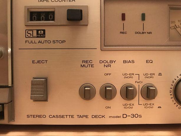 Hitachi d30s magnetofon deck