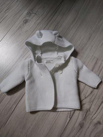 Sweterek kremowy miś 50/56