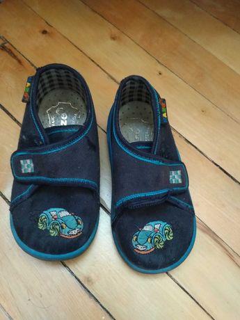 Взуття дитяче 21 розмір