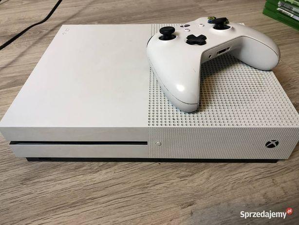 Xbox one S 1 TB sprzedam
