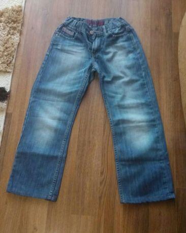 Демисезонные джинсы котоновые брюки штаны на мальчика 8-9 лет