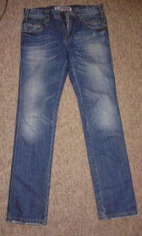 spodnie jeansy chłopięce w-28/l-34