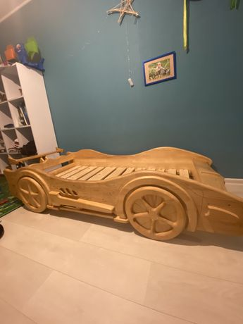 Кровать-машина детская (дерево)