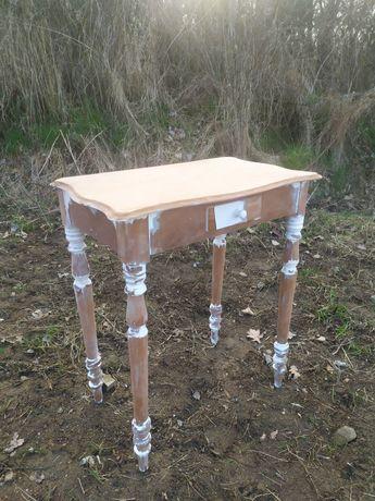 Rustykalny stolik, toaletka, antyk do renowacji