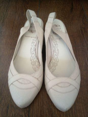Продам кожаные женские туфли Chester 37р