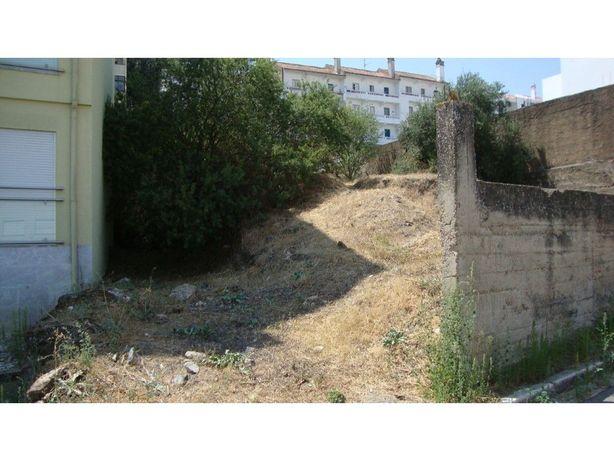 Terreno para construção de edifício multifamiliar.